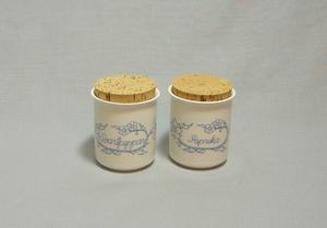 Kryddburkar, 2 st, Paprika  och Svartpeppar (SÅLD)